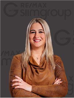 Associate - Dina Duarte - RE/MAX - Miraflores