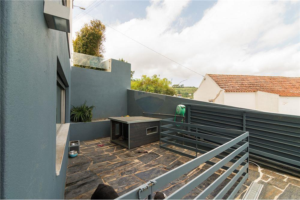 House - T3 - For Sale - São João das Lampas e Terrugem, Sintra - Canil com 15m2 - 120801387-1