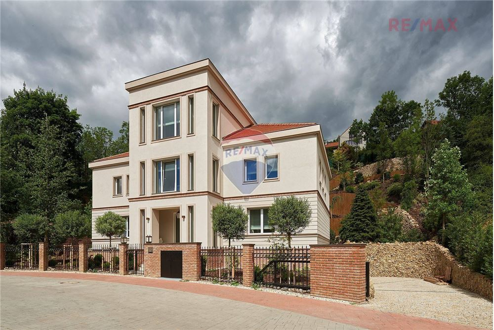 /House-For-Sale--_29080035-17