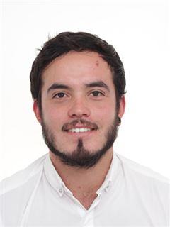 Maklér junior - Lucas Salazar Gomez - RE/MAX Premium