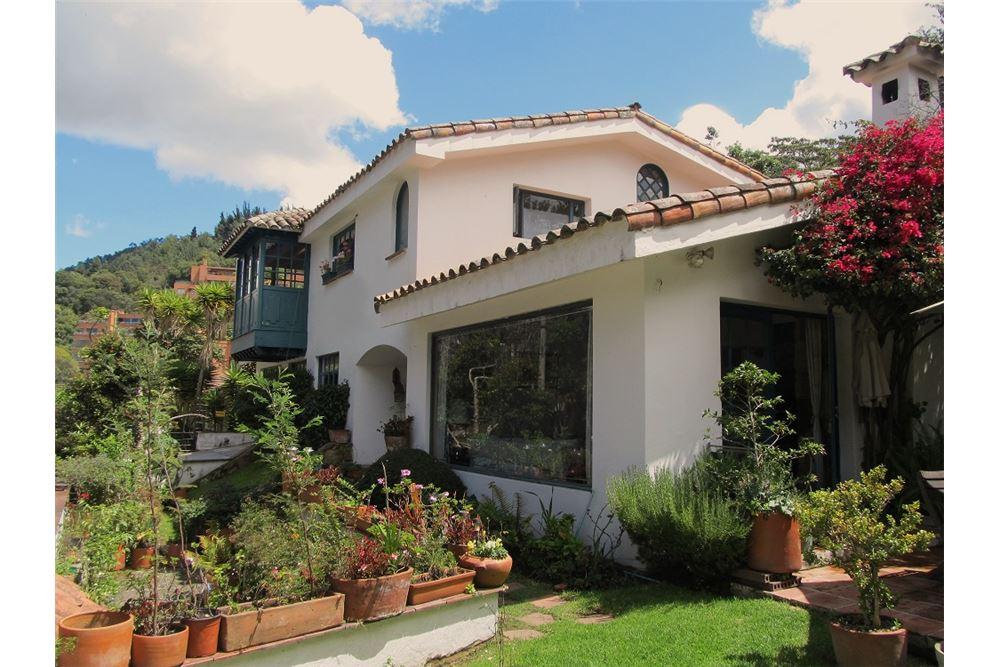 /Cornerhouse-For-Sale-Usaquen-Bogota_660391014-2