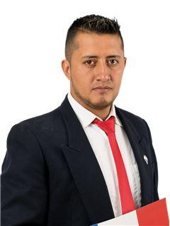 Stalin Espinosa - RE/MAX Capital