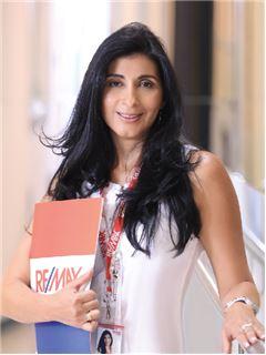 Elizabeth Barahona - RE/MAX Capital