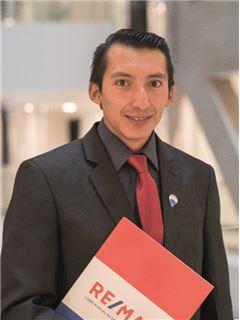 Agente en Entrenamiento - David Toaquiza - RE/MAX Capital