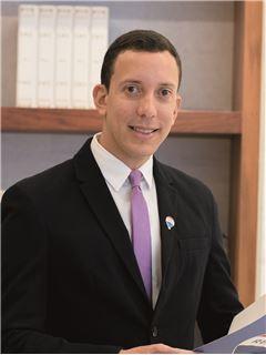 Eduardo Bruzual - RE/MAX Capital
