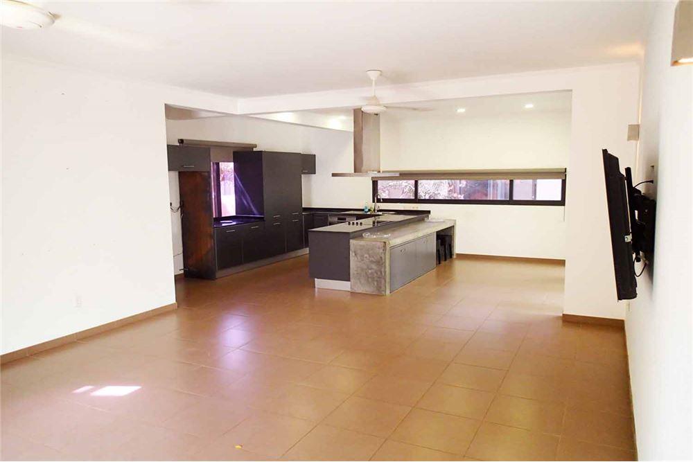 RE/MAX real estate, Bonaire, Kralendijk, Ongemeubileerde woning met 4 slaapkamers per 1 nov
