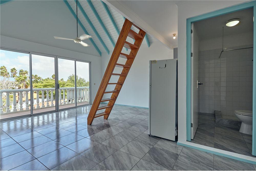RE/MAX real estate, Bonaire, Kralendijk, Centrally located one bedroom apartment