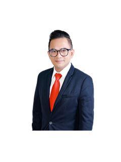 Yuttana Kobarun - RE/MAX Real Estate Pros